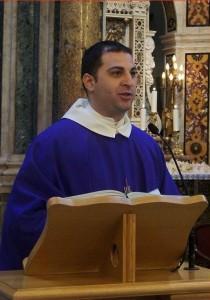 Il rettore del Santuario di Madonna dell'Arco, padre Alessio Maria Romano