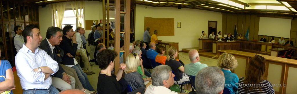 La sala consiliare piena