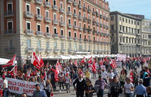 Il corteo di ieri organizzato dalla Cgil a Napoli