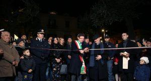 Acerra, il taglio del nastro della piazza rinnovata con il sindaco e il vescovo