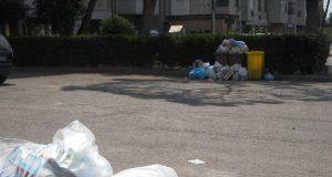 Rifiuti, lo sciopero della nu ad Acerra ieri