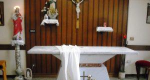 La cappella della clinica in cui sono stati rubati gli oggetti sacri